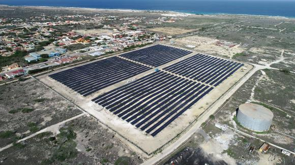 Image of one of the photovoltaic facilities developed by Isotrón